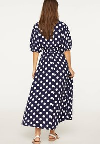OYSHO - GETUPFTES KLEID 31962115 - Robe d'été - dark blue - 1