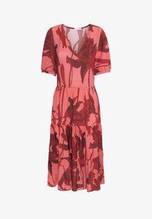 LANGES ROMANTISCHES KLEID 31990115 - Denní šaty - red