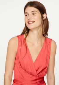OYSHO - Denní šaty - red - 3