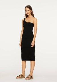 OYSHO - Pouzdrové šaty - black - 1