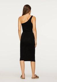 OYSHO - Pouzdrové šaty - black - 2