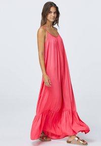 OYSHO - Długa sukienka - rose - 0