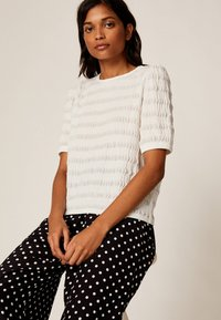 OYSHO - Basic T-shirt - white - 4