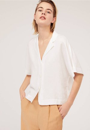 MIT VOLANTÄRMELN - Overhemdblouse - white