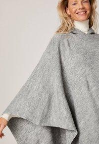OYSHO - Cape - grey - 4