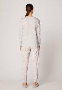 OYSHO - MIT ZAUBERSTAB - Pyjamapaita - light grey - 2