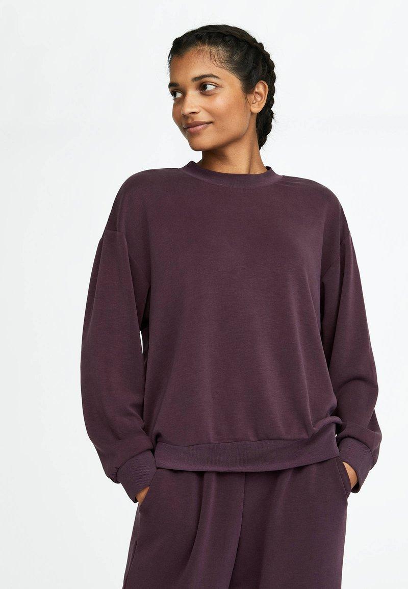 OYSHO_SPORT - Bluza - dark purple