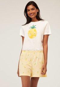 OYSHO - Spodnie od piżamy - yellow - 0