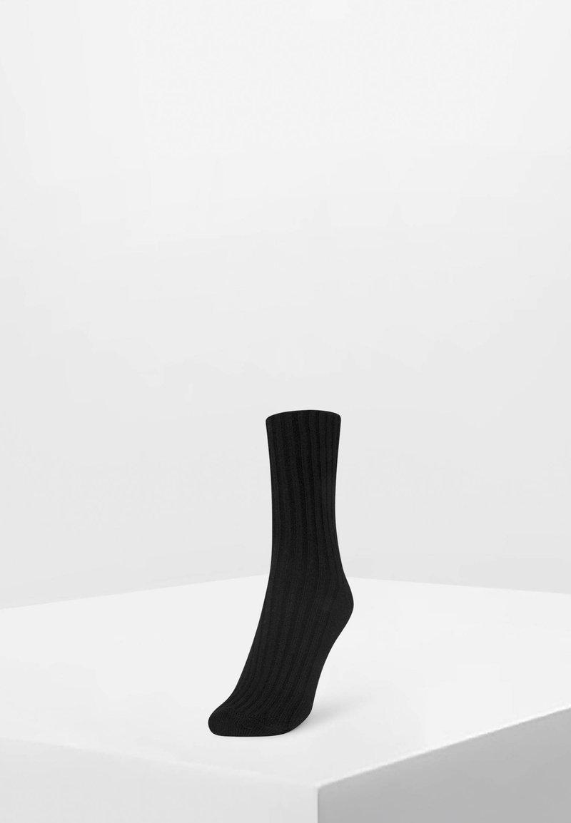 OYSHO - 1 PAAR GROB GESTRICKTE SOCKEN 32868491 - Skarpety - black