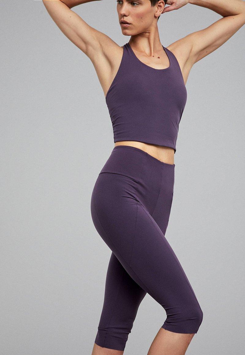 OYSHO_SPORT - Funktionsshirt - dark purple