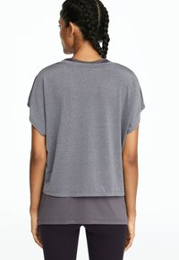 OYSHO_SPORT - T-shirt basique - grey - 2