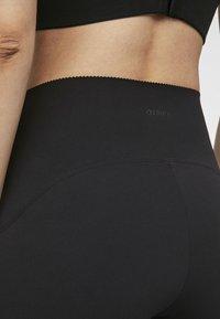 OYSHO_SPORT - HIGH COMPRESSION - 3/4 sports trousers - black - 5