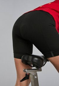 OYSHO_SPORT - SPIN YOUR LIMITS - Sports shorts - black - 6