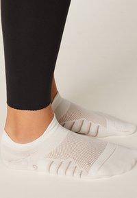 OYSHO - 2 PAIRS - Socquettes - white - 4