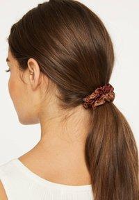 OYSHO - Akcesoria do stylizacji włosów - brown - 1