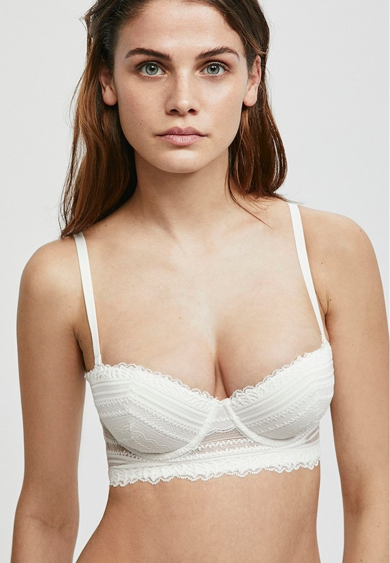 OYSHO - Underwired bra - white