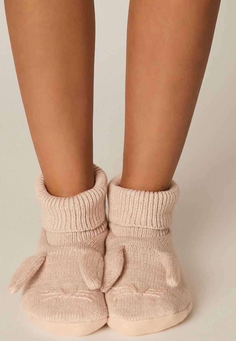 OYSHO - Socks - rose
