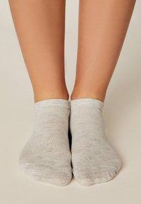 OYSHO - 5 PACK - Sportovní ponožky - white - 3