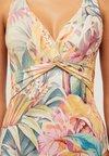 OYSHO - MIT TROPISCHEM PRINT IN ZARTEN FARBEN - Badeanzug - multi-coloured