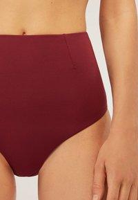 OYSHO - MIT HOHEM BUND  - Bikini bottoms - bordeaux - 3