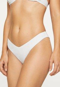 OYSHO - Spodní díl bikin - white - 0