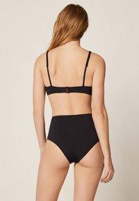 OYSHO - HOCH GESCHNITTENER  - Dół od bikini - black - 2