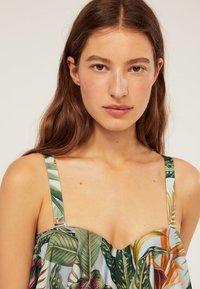 OYSHO - Haut de bikini - green - 4