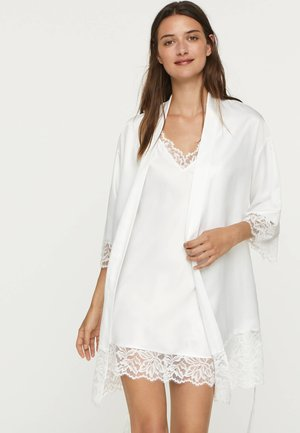 MIT SPITZE  - Dressing gown - white