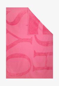 OYSHO - HANDTUCH MIT OYSHO-LOGO 30832439 - Beach accessory - neon pink - 4
