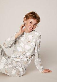 OYSHO - MIT WOLKENPRINT - Spodnie od piżamy - light grey - 3