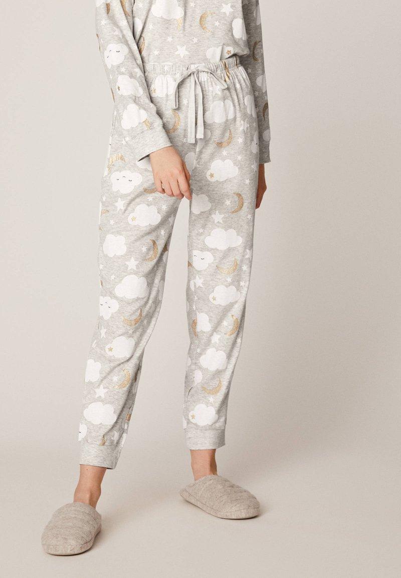OYSHO - MIT WOLKENPRINT - Spodnie od piżamy - light grey
