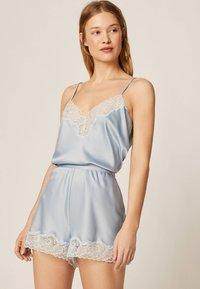 OYSHO - mit Spitze - Pantaloni del pigiama - light blue - 1