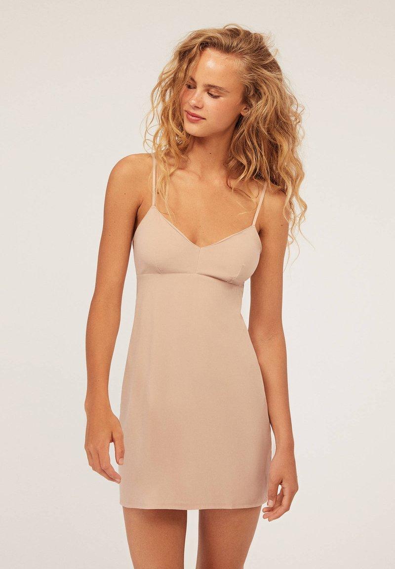 OYSHO - Nachthemd - nude