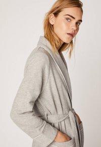 OYSHO - Dressing gown - light grey - 4