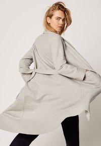 OYSHO - Dressing gown - light grey - 3