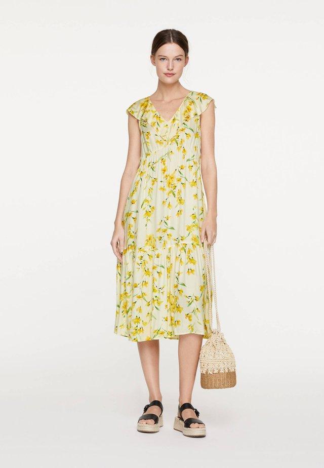MIT GELBEN BLUMEN - Korte jurk - yellow