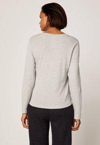 OYSHO - APPAREL - Langærmede T-shirts - light grey - 2