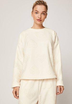 MIT GLITZERNDEN HERZCHEN  - Koszulka do spania - white