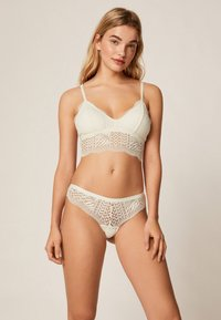 OYSHO - String - white - 1