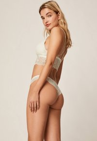 OYSHO - String - white - 3