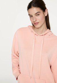OYSHO_SPORT - NORMAL - Bluza z kapturem - rose - 3