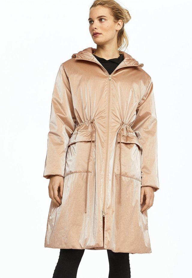 Płaszcz zimowy - gold