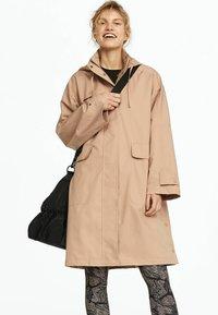 OYSHO - Trenchcoat - beige - 0