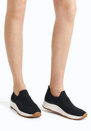 Sportovní boty - black