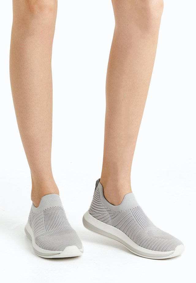 Sportovní boty - grey