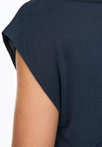 OYSHO_SPORT - T-shirt imprimé - dark blue - 3