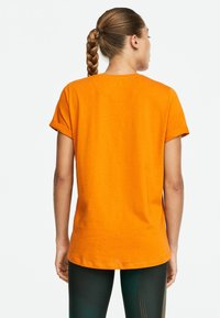 OYSHO_SPORT - T-shirt imprimé - orange - 2