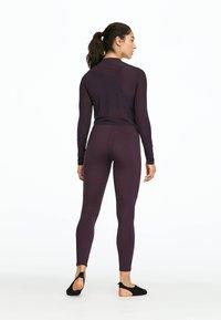 OYSHO_SPORT - Pitkähihainen paita - dark purple - 2
