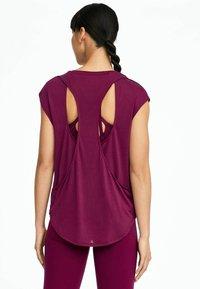 OYSHO_SPORT - T-shirt basic - dark purple - 2