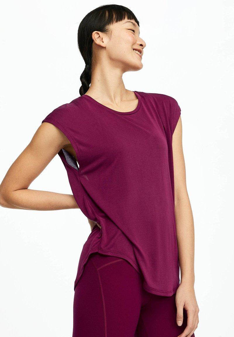 OYSHO_SPORT - T-shirt basic - dark purple